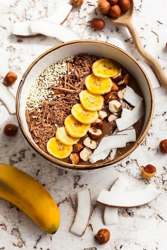 Smoothie Bowl Schoko Banane Kokos Haselnuss