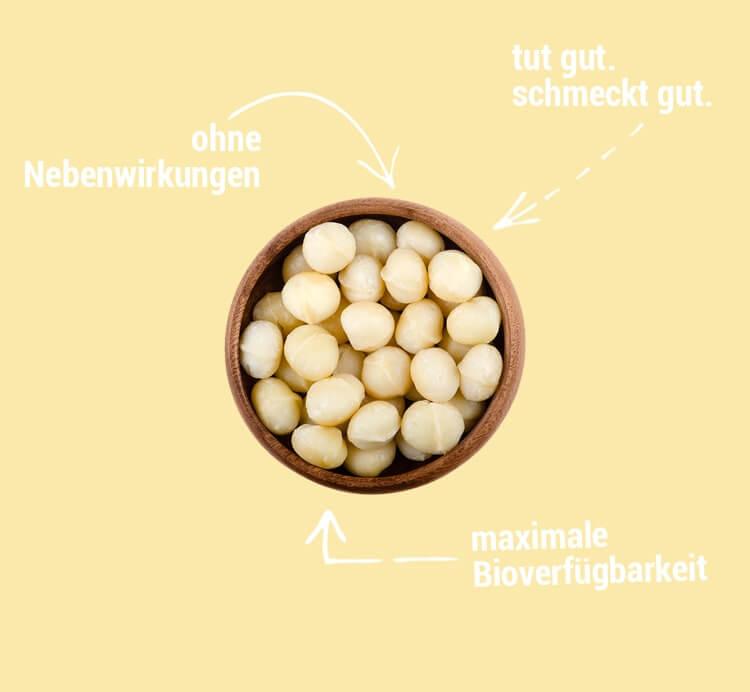 Macadamia Nüsse in einer Holzschüssel