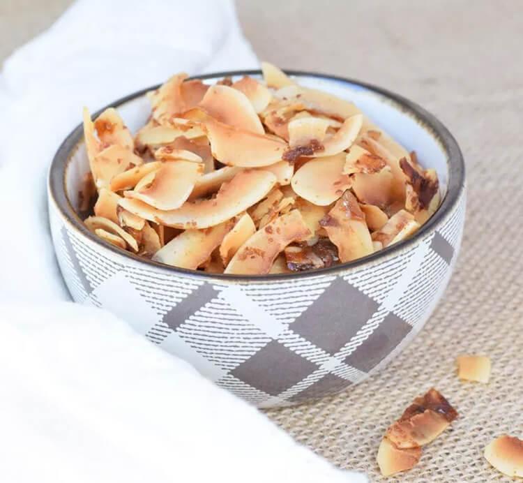 Kokoschips Karamell als Snack